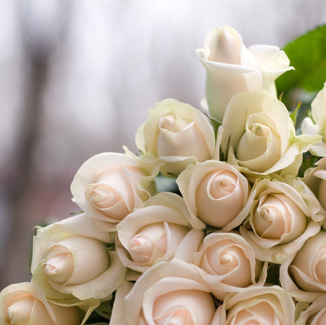 What Do Your Wedding Flowers Symbolise?