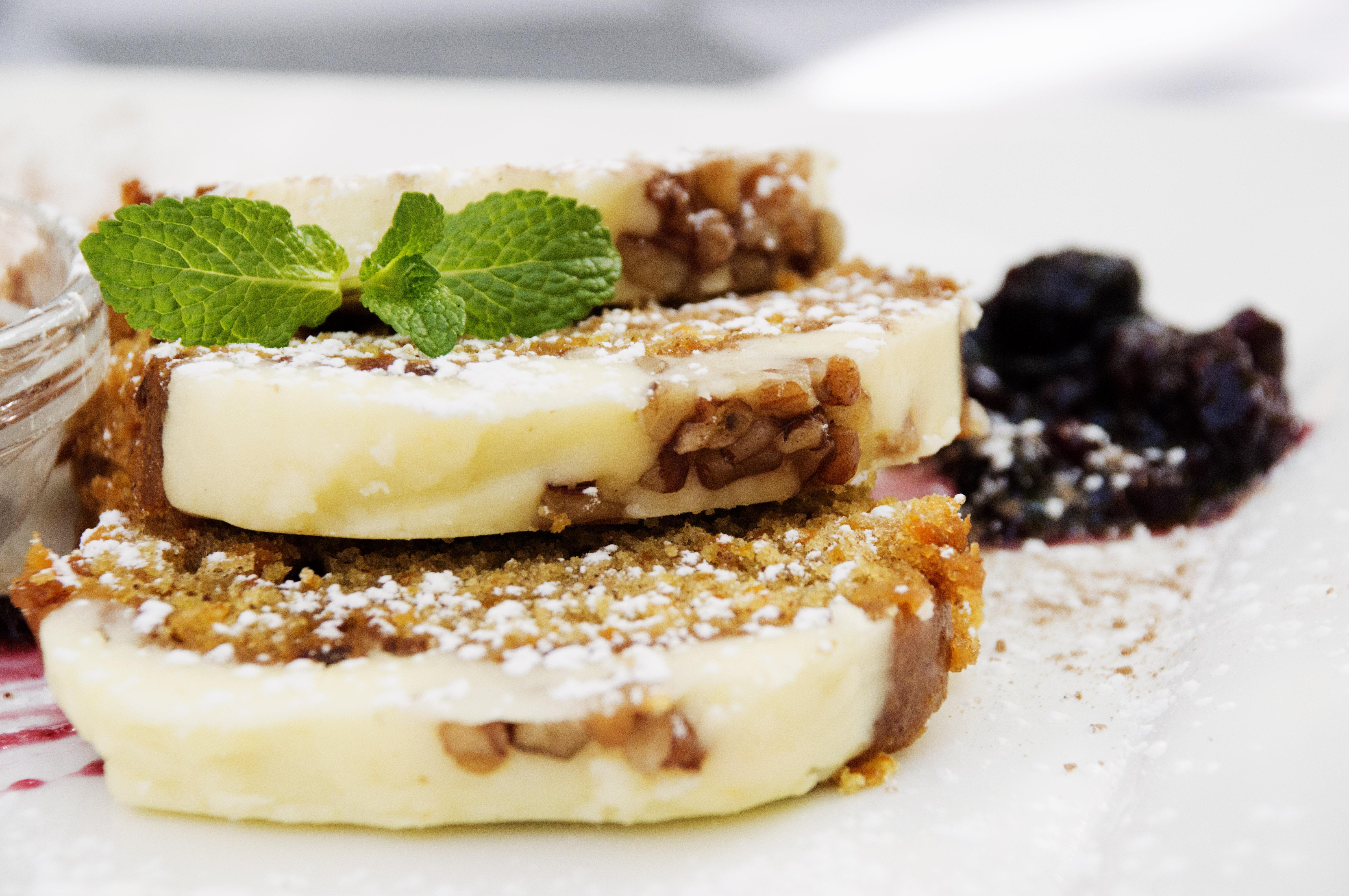 Café_Mozart_Carrot_Cake_ECU