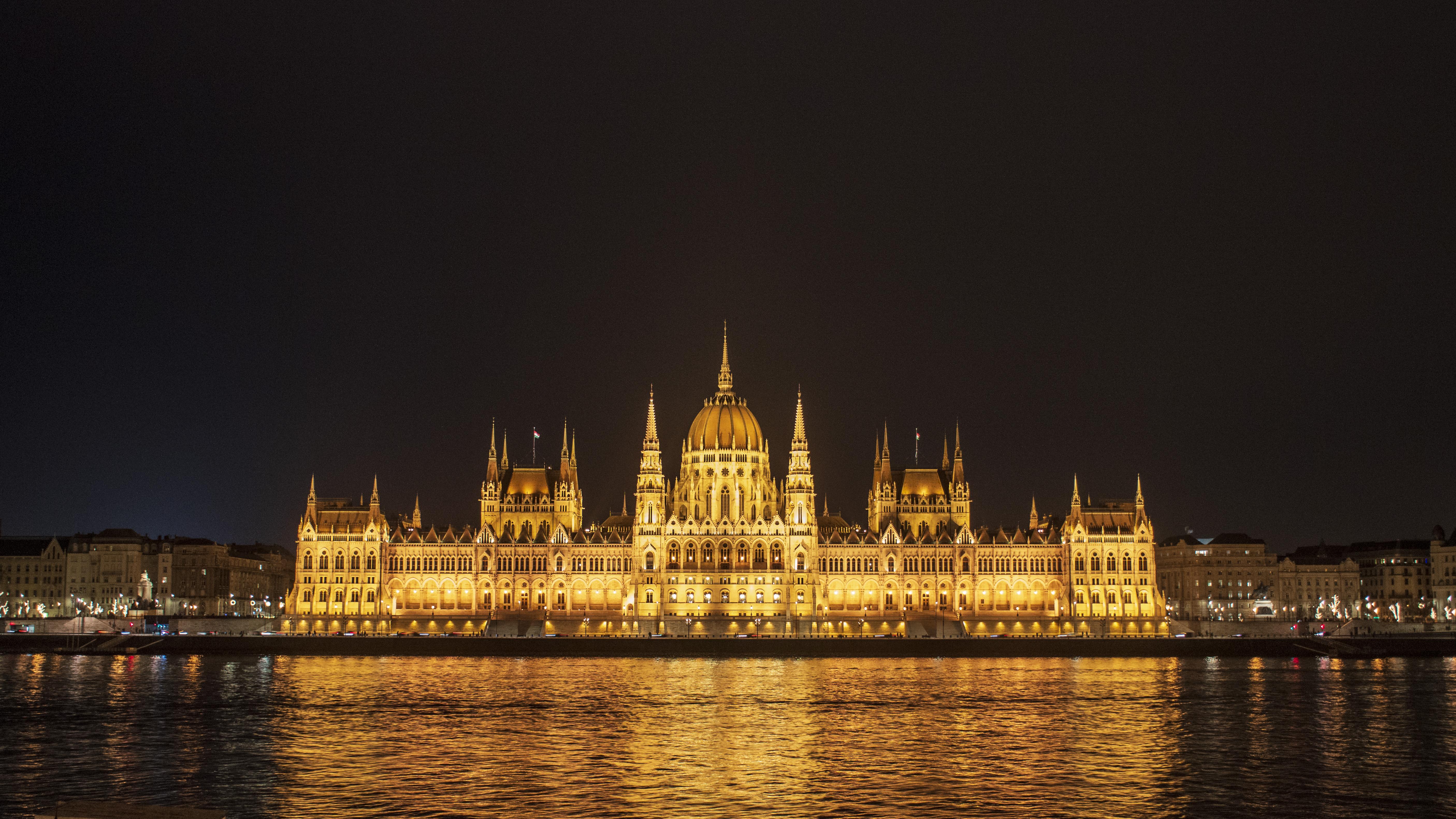 Buda_Parliament_2
