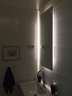 מראות מרחפות + תאורה אחורית