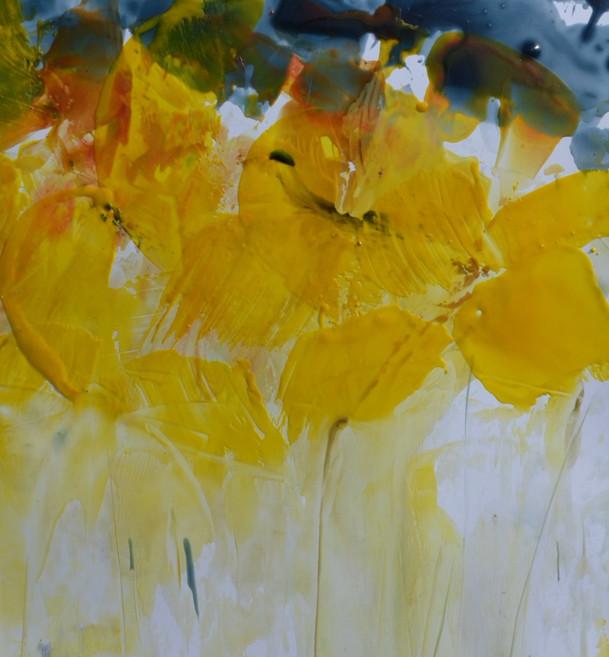 Fleur-jaune-grise-abstraite