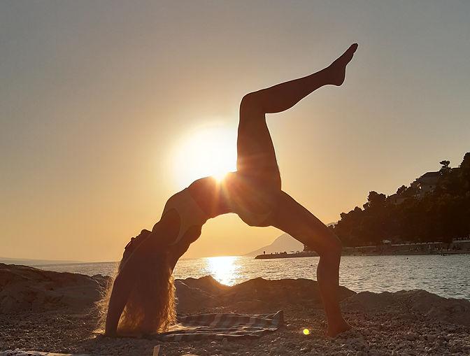 Yoga%20retreat_edited.jpg