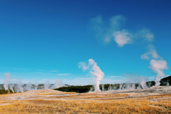 Yellowstone National Park - Waiting for Old Faithful