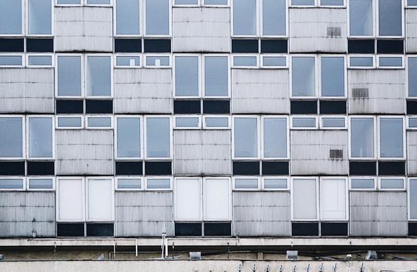 Windows symmetrical