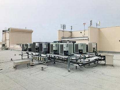 air-conditioning-units-on-roof-of-a-high-rise-cond-JL2CGGG.jpg