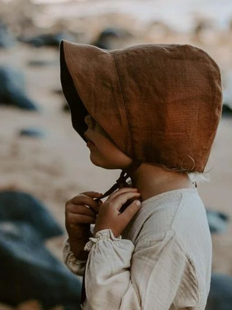 The Old-fashioned Bonnet