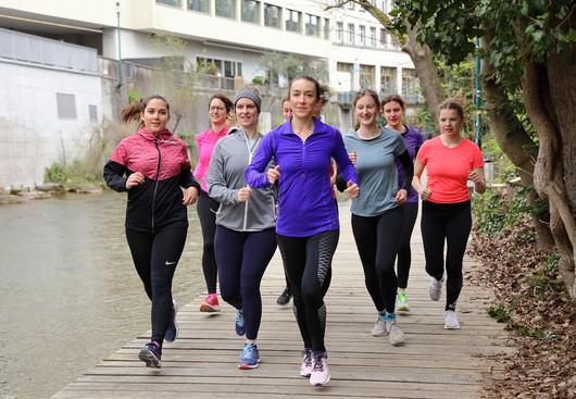 Women Run auf dem Green Marathon.JPG