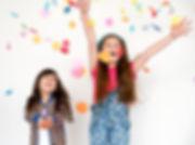 criancas-sorrindo-felicidade_53876-51837
