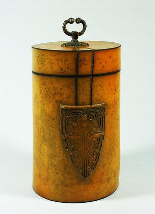 Boîte ronde avec un motif représentant un Tao-Tié