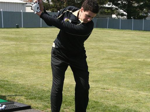 Monroe golf hits the links
