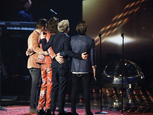 One Direction perform for the last time