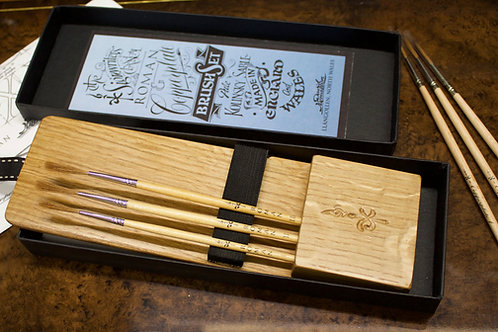 OAK - Roman & Copperplate brush set.