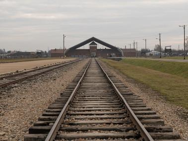 Il viaggio della memoria 2020-l'ingresso del campo di Birkenau