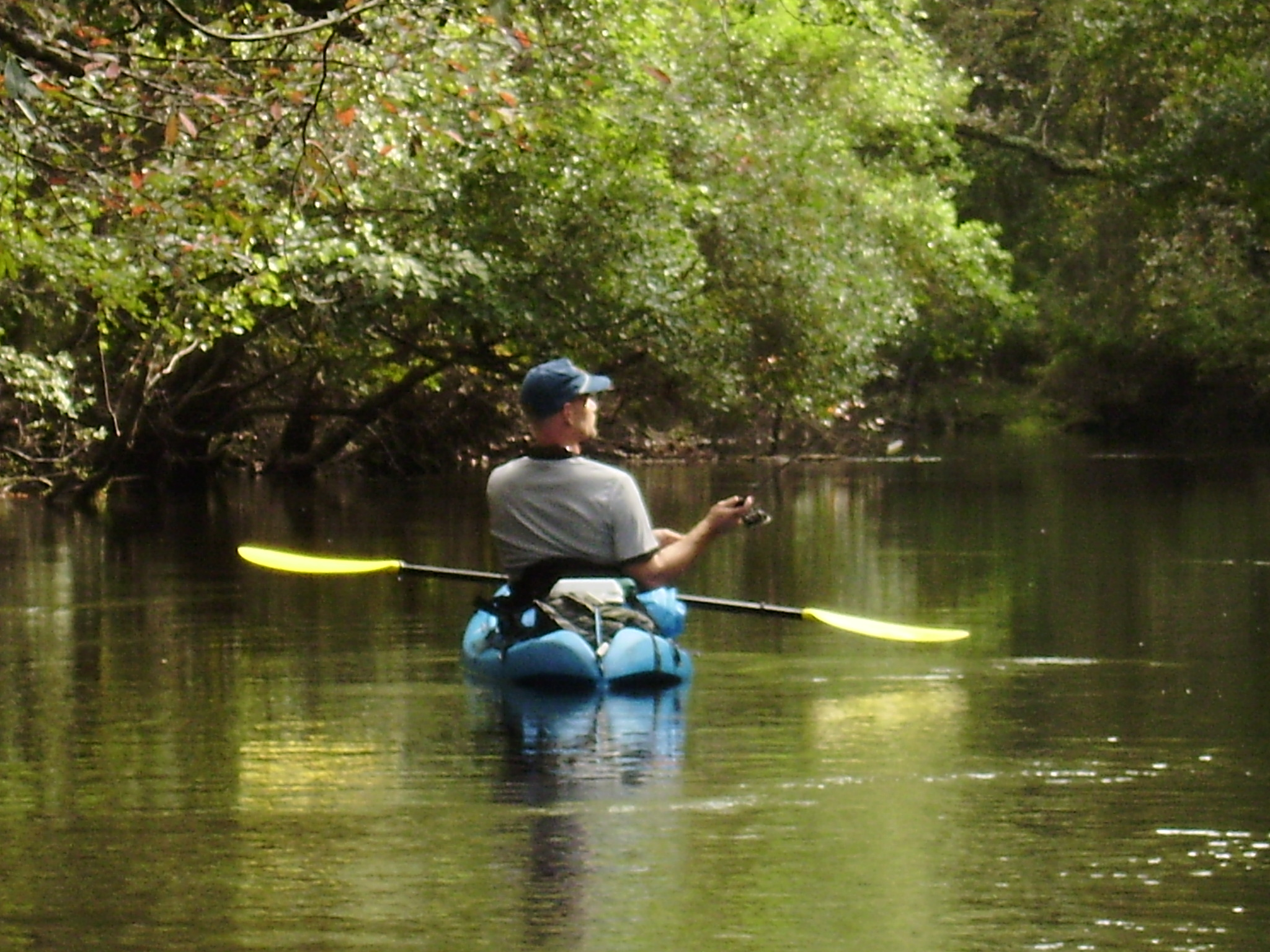 Riveco glamping coussac bonneval canoeing for Fish camping boat