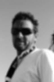 Ludo moniteur BE2 surf et BEESAPT. Il vous fera decouvrir en stand up paddle ou en kayak les richesses du lagon de la Saline à la Réunion