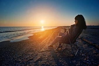 beach-breeze-clouds-dawn-370037.jpg