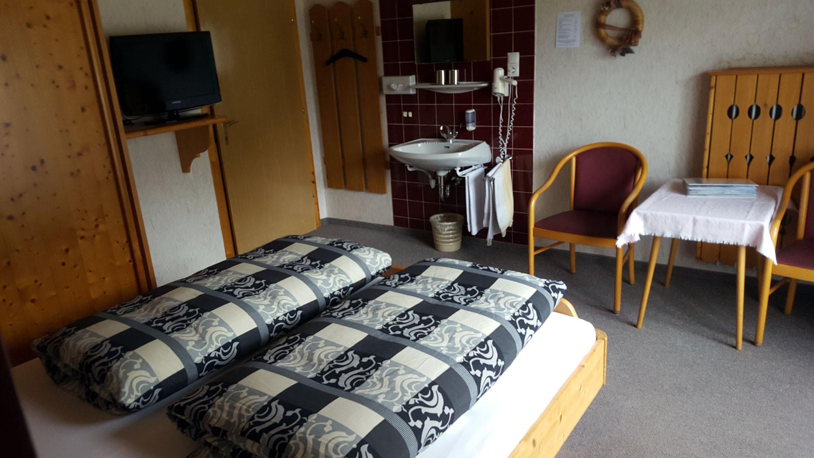 Zimmer 12a