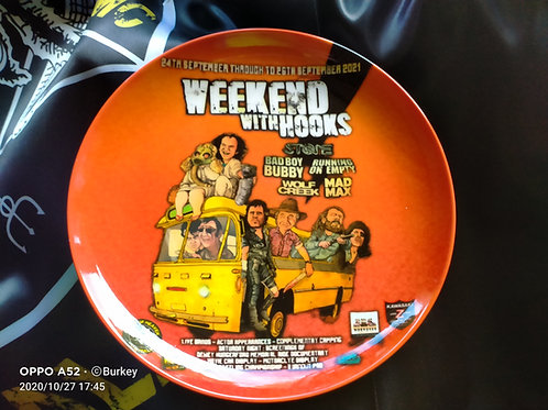weekend with Hooks Plate