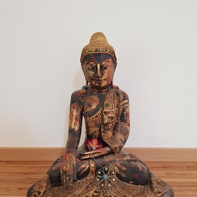 NeueWelt Haus Buchet, Buddha