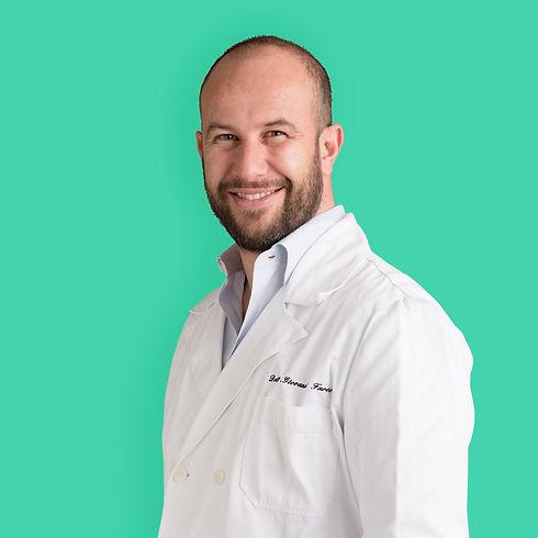 DR-GIOVANNI-FAVERO_ABOUT_SITO_029_SCONTORNATO.jpg