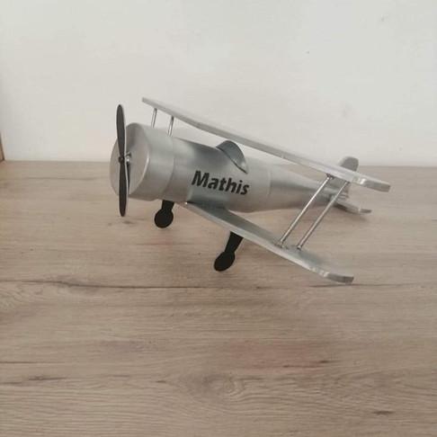 avion Mathis