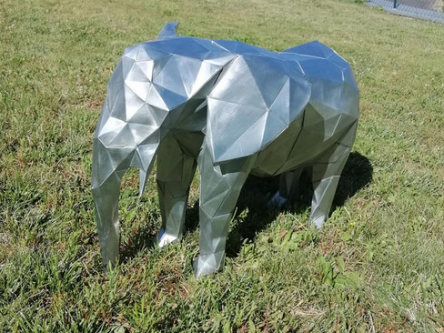 Eléphant origami en zinc naturel.