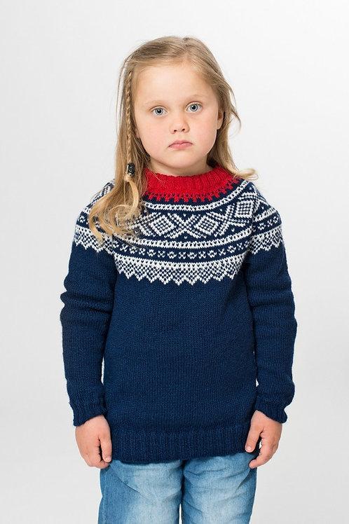 Marius genser til barn, med rundt bærestykke i SISU GARN, fra Kr339