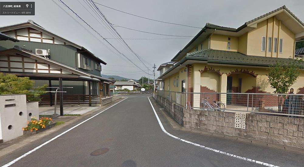 錦さんの前の通りを進むと。