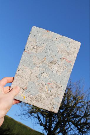 Dalle de papiers recyclés