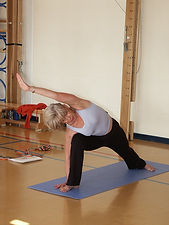 yoga-929855_960_720.jpg