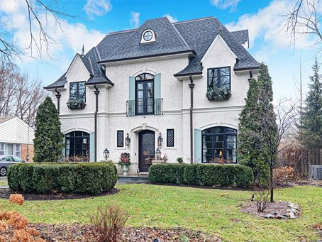 This Beauty Can be Yours!  601 N. County Line Rd, Hinsdale