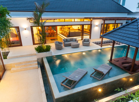 Five 2017 Pool Trends for a Luxurious Backyard Retreat