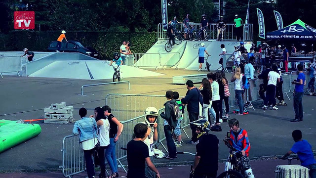 Skate park Contest Le Chesnay Rlimite AIRBAG