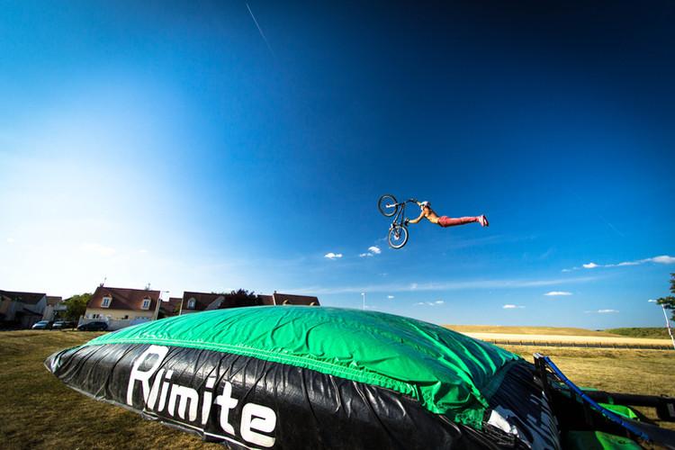 Freestyle big airbag vtt