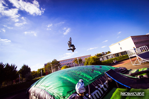 FREESTYLE SUR AIRBAG
