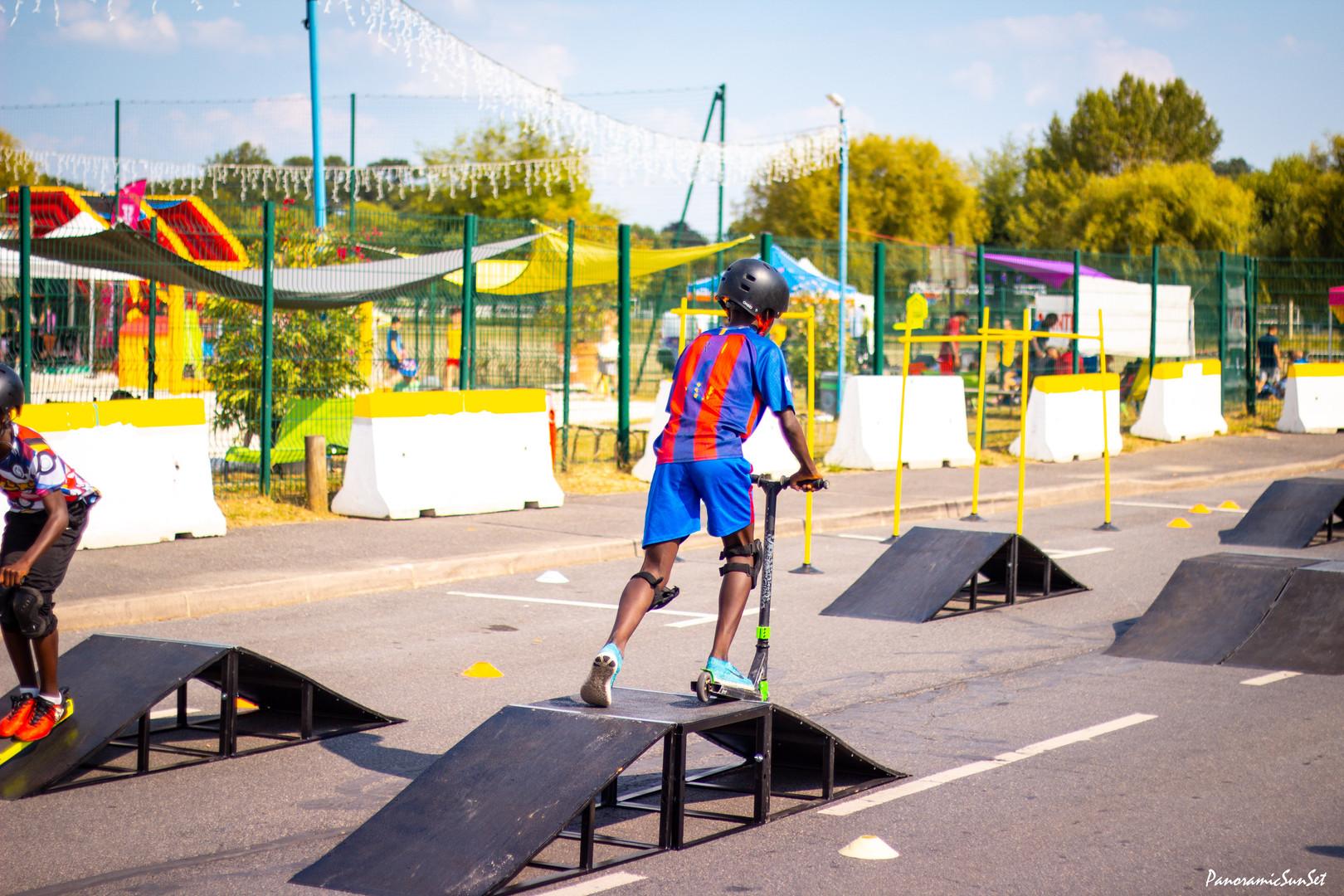 Activité trottinette jeunesse et sport