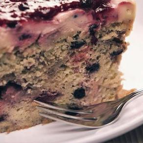 Cake de yogurt con frutos rojos