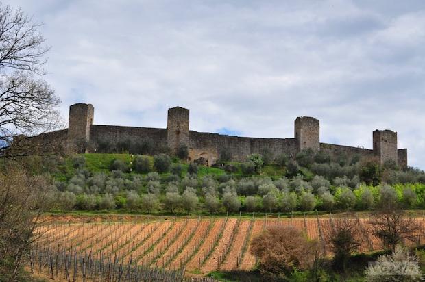 Monteriggioni (8 KM)