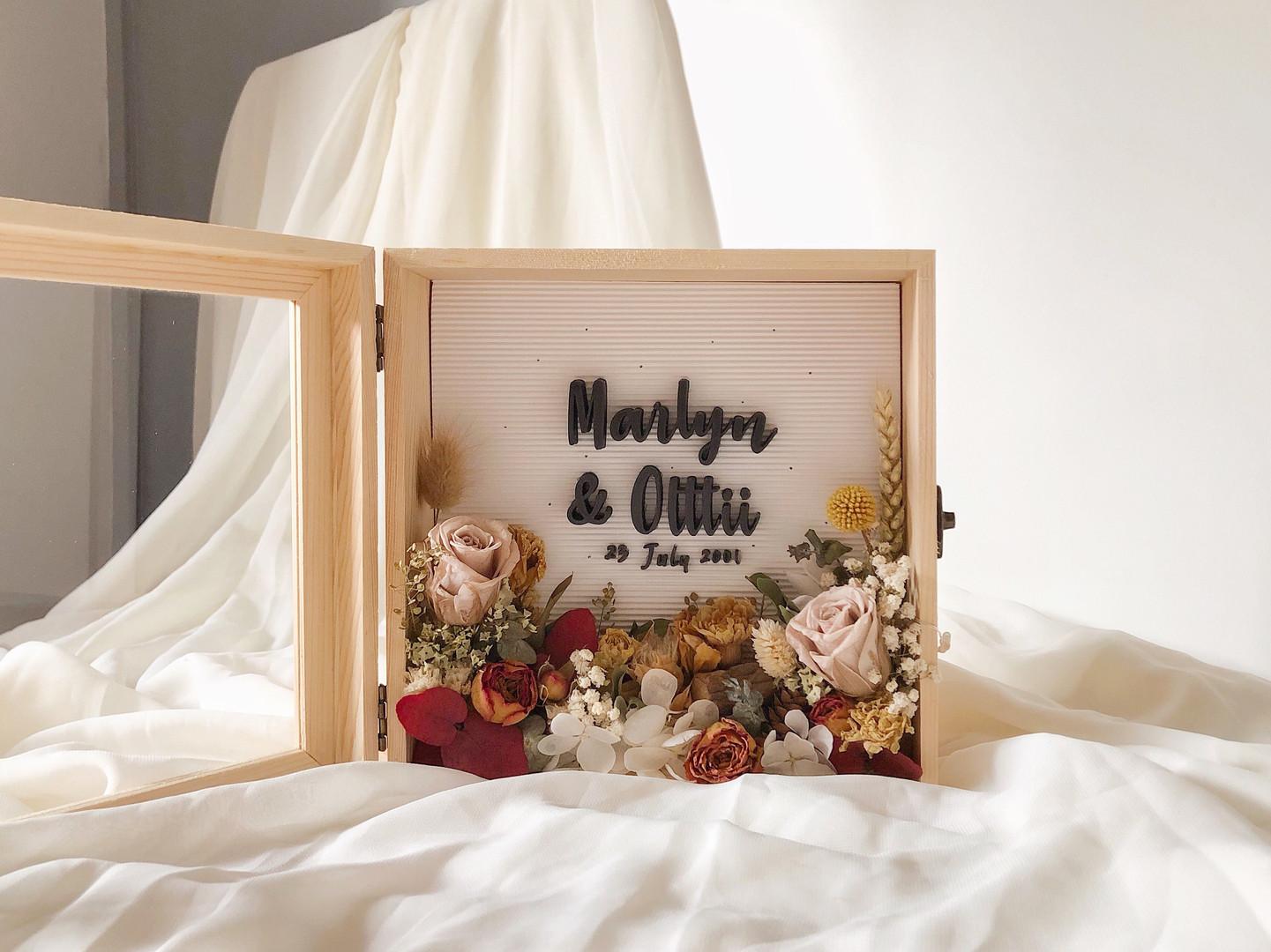 Customised Flower Box (Marlyn & Olttii)