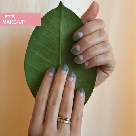 manicure z zielonymi prostokątami