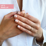 czarny manicure francuski