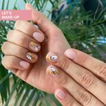 manicure w plamki ze złoceniem