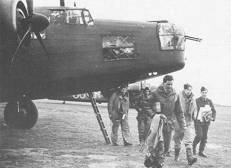 10. Paul Harris Returning 1939.jpg