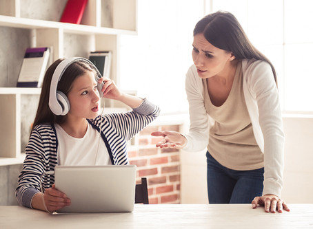 5 Simple Steps to Managing Screen Time During School Holidays