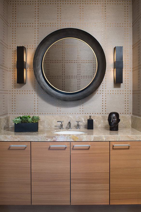 MarkLangos_CarlyleHome_BathroomStraight_
