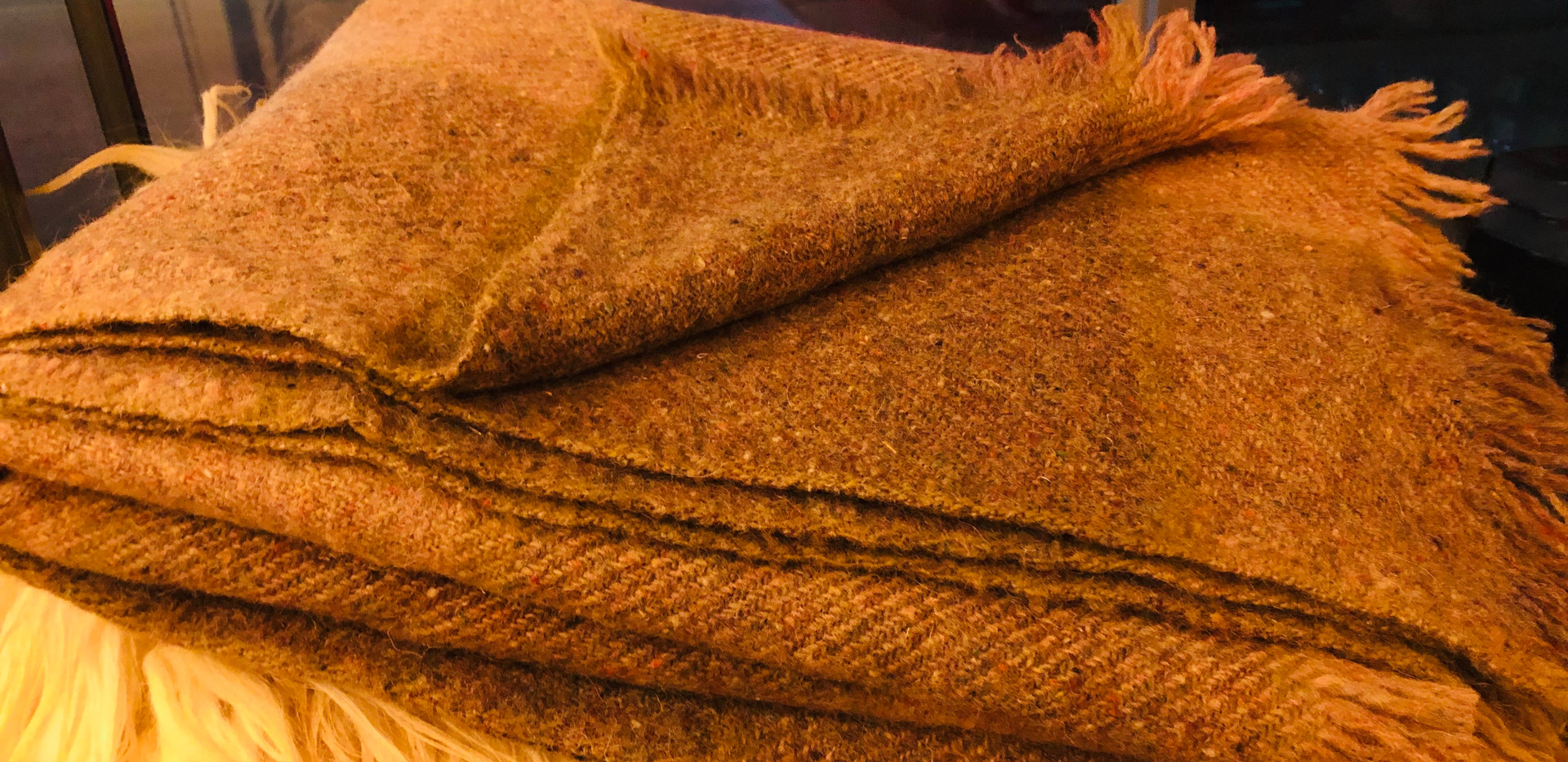 Couverture en laine fabriquée par des artisans des montagnes Rhodope (sud-est de Bulgarie)