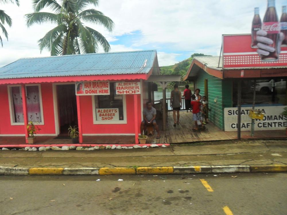 Sigatoka town hairbraiding Fiji- fiji travel blog fiji expat fiji holiday me and fiji
