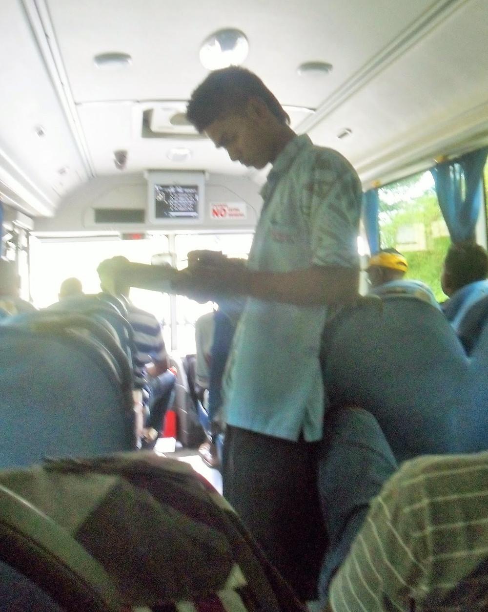 Bus trip Fiji - fiji travel blog fiji expat fiji holiday me and fiji