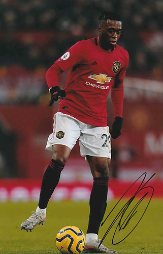 AARON WAN BISSAKA SIGNED MANCHESTER UNITED 12X8 PHOTOGRAPH