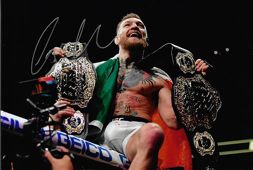 CONOR MCGREGOR THE NOTORIOUS 12X8 SIGNED PHOTOGRAPH